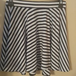 GUESS Black and White Striped Skater Skirt XS
